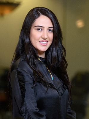 Cici Behzad, Receptionist